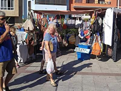 El puesto de Farobag en el Mercadillo de El Médano