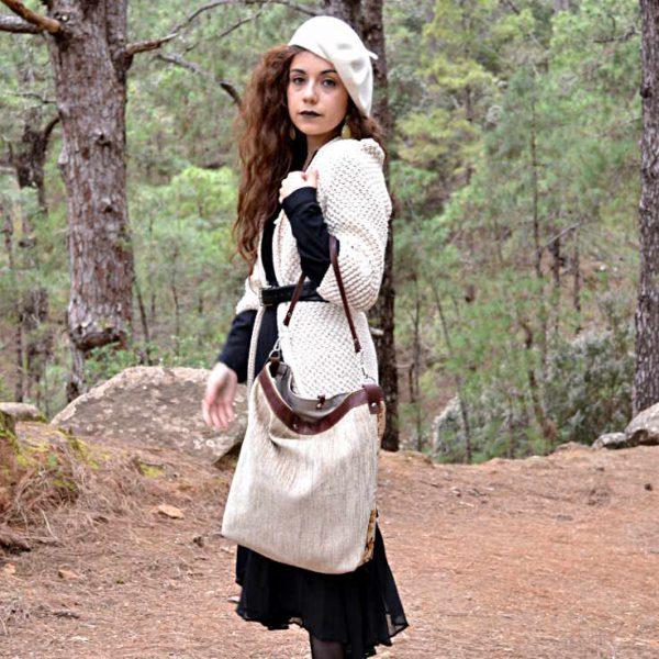 Modelo con bolso de tela Citybag 1 asa mambo