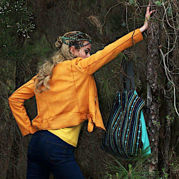 Modelo con Citybag de la serie Bolero de Farobag