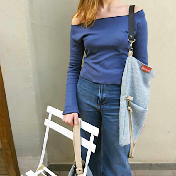 Modelo con el bolso de compras de la edición especial de Farobag